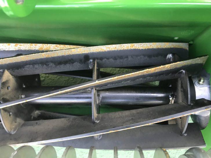 リール式の芝刈り機