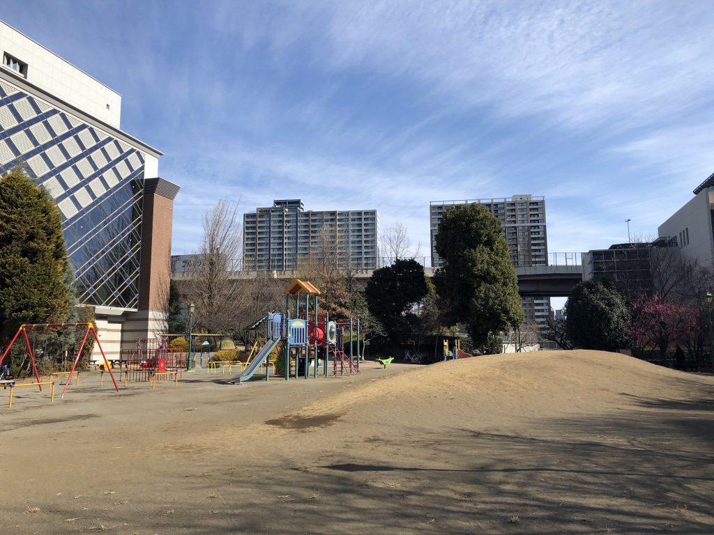 浜町公園の遊具広場