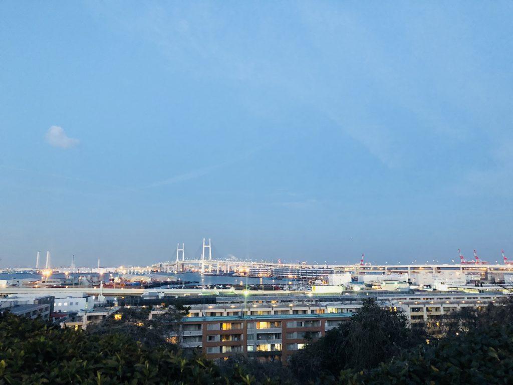 港の見える丘公園からのベイブリッジ